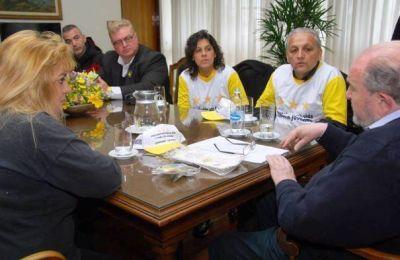 Verna, con la Fundaci�n Estrellas Amarillas