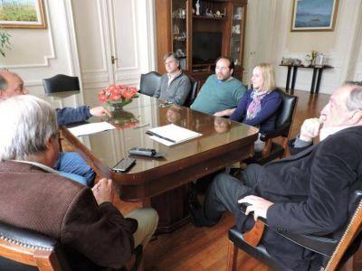 El Intendente recibió a beneficiarios del Procrear luego de su reunión con autoridades nacionales