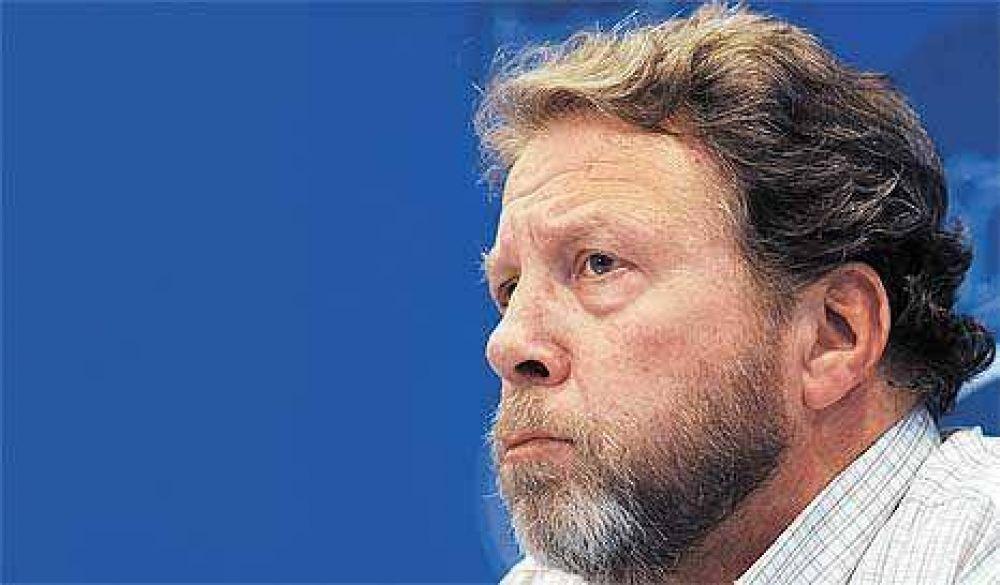 El jefe gremial Pérez Tamayo le pegó al gobierno y a los sindicatos de AA