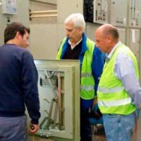 Galli visit� f�brica de paneles solares