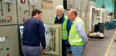 Galli visitó fábrica de paneles solares