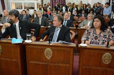 """El Senado entrerriano habla de """"discrecionalidad"""" en el Plan Hábitat y pide explicaciones a Frigerio"""