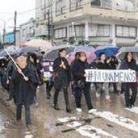 Bajo la lluvia, las pilarenses marcharon contra la violencia