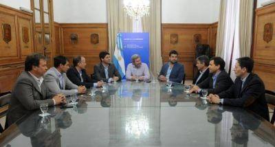Frigerio analiz� con el Grupo Esmeralda la creaci�n de una agencia nacional de municipios paralela a la FAM