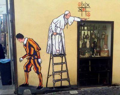 El otro graffiti del papa Francisco que apareció a pocas cuadras del Vaticano