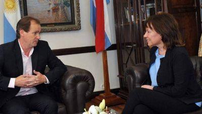 Blanca Osuna le regaló un libro de Kirchner a Bordet