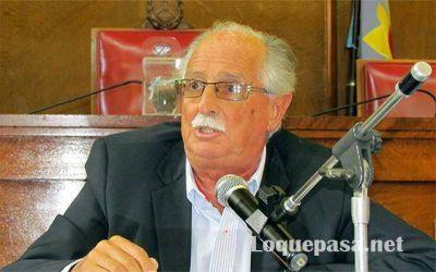 José Cano se va de la Agrupación Atlántica y Arroyo pierde un concejal