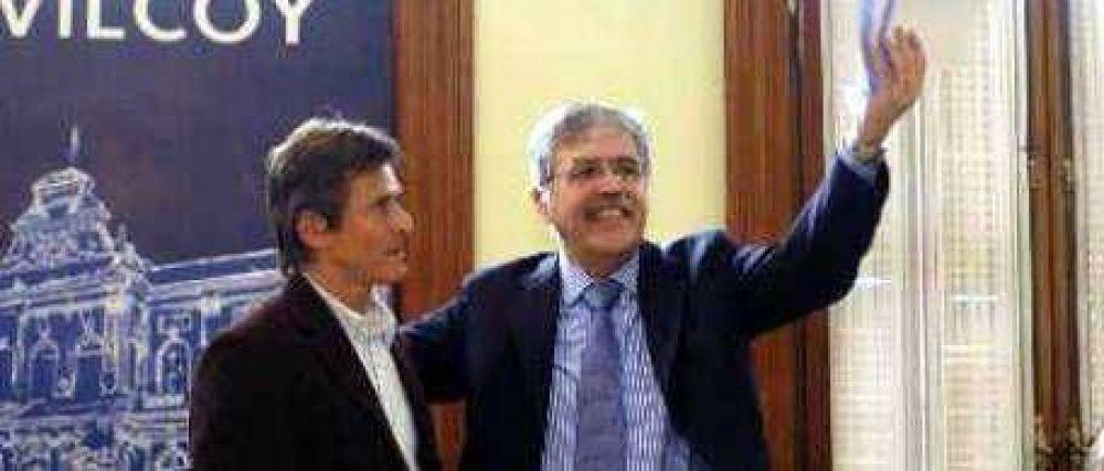 Scioli nombraría como ministro agrario al intendente más escrachado por ruralistas