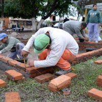 Avanzan las obras que renovar�n la plaza de Quilmes y Los Sueldos
