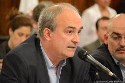 Macchiavelli expuso en la Legislatura