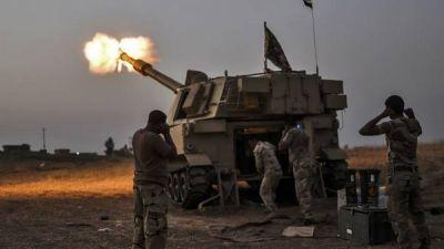 El ISIS cava trincheras y levanta muros para resistir en Mosul
