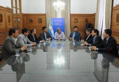 Frigerio se reuni� con intendentes del Grupo Esmeralda