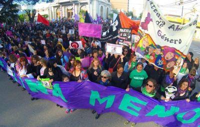 #NiUnaMenos: multitudinaria movilización en las distintas ciudades de la provincia
