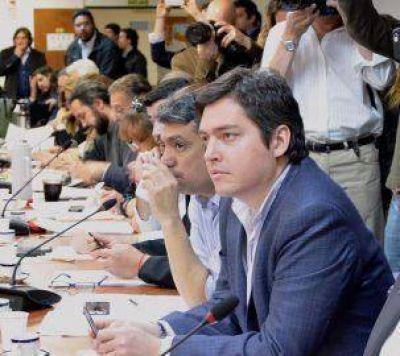 Pérez propone la creación de una comisión bicameral de asuntos relativos a Malvinas