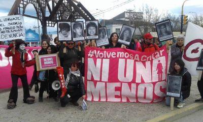 Cientos de vecinos marcharon bajo la consigna Ni una Menos, Vivas Nos Queremos, Basta de Violencia y Feminicidios