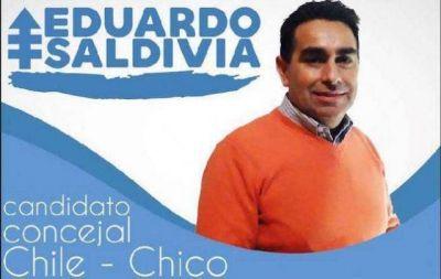 Funcionario de Extranjería de Los Antiguos, se propone como Concejal en Chile y hace campaña en ambos países para asegurase votos