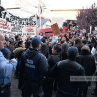 Un grupo de mujeres llev� su reclamo al gobernador Weretilneck