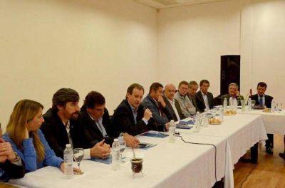 Bordet ratific� a Feltes con el apoyo de los intendentes justicialistas