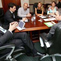 Molina y Michetti analizaron la situaci�n de Villa Itat� en ONU