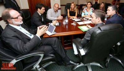 Molina y Michetti analizaron la situación de Villa Itatí en ONU