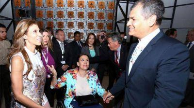 La gobernadora estuvo en la reunión con el presidente de Ecuador