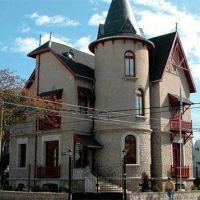 El Ejecutivo pidi� autorizaci�n para construir dos torres en el Chalet �Santa Paula�