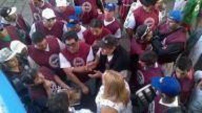 Mar del Plata: Vendedores ambulantes preocupados por posible eliminación de feriados puente