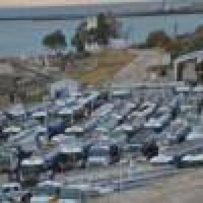 Camioneros paraliza la playa de tanques: no hay despacho de combustible