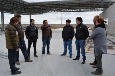 Concejales y el Intendente visitaron la obra de la nueva estación de servicio YPF