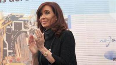 Ampl�an la imputaci�n contra Cristina Kirchner irregularidades en las obras p�blicas a favor de L�zaro B�ez