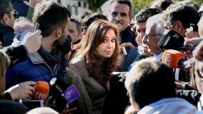 Ampliaron la imputaci�n a Cristina Kirchner por la millonaria obra p�blica entregada a L�zaro B�ez