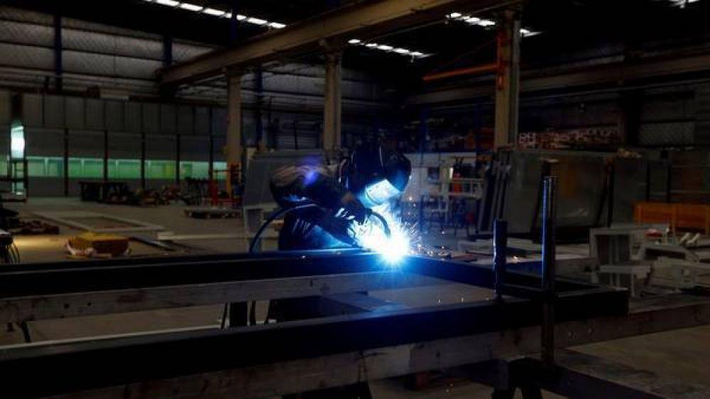 En un municipio del GBA ya censaron a 300 industrias y 290 están en falta