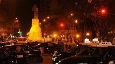 Los taxistas anunciaron un paro y movilización