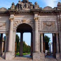 Cerraron los cementerios municipales por falta de pago de horas extras