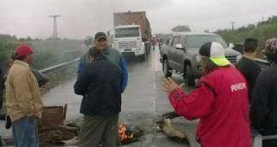 Dos cortes sobre la vieja traza de la ruta 38 en Concepción y en Río Chico