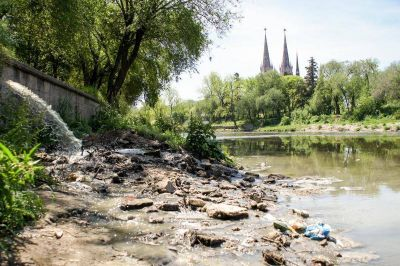 Los líquidos cloacales directos al río Luján