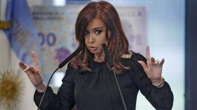 El Gobierno prohíbe que la ex presidenta cobre doble asignación