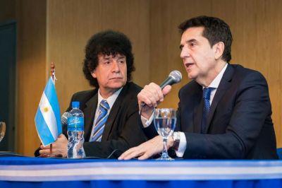 Melconian brindó una charla en San Martín, acompañado por el concejal Mollo