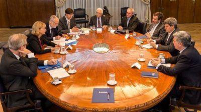 Macri impulsa un plan de control y transparencia en 40 empresas del Estado
