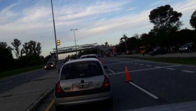 Hubo marcha lenta en la autovía hacia Alta Gracia: vecinos protestaron por la basura