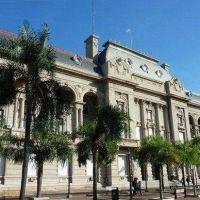 La provincia pide frenar el paro de los municipales