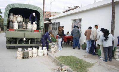 En barrios de Capital continúa la venta de la garrafa social