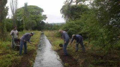 Ejecutan trabajos en sistemas de riego del interior