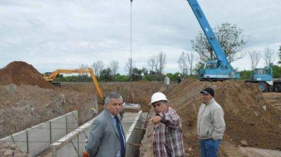 Infante supervisó el avance de la obra de desagüe del sector sur de la ciudad