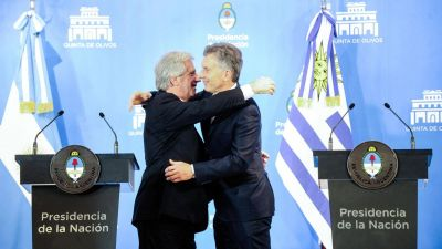 Mauricio Macri, junto a Tabaré Vázquez: