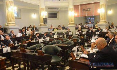Reforma: reuniones de última hora para trazar estrategias en el recinto