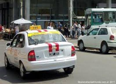 Alrededor de 500 taxis se movilizarán mañana hacia la Municipalidad de Paraná