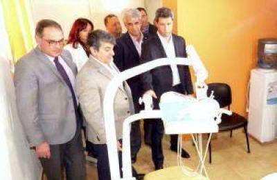 Uñac inauguró la sala odontológica del hogar de ancianos