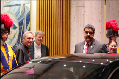 """El Papa pide a Nicolás Maduro """"emprender con valentía el camino del diálogo sincero"""""""