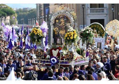 El Papa Francisco bendijo al Se�or de los Milagros en Roma